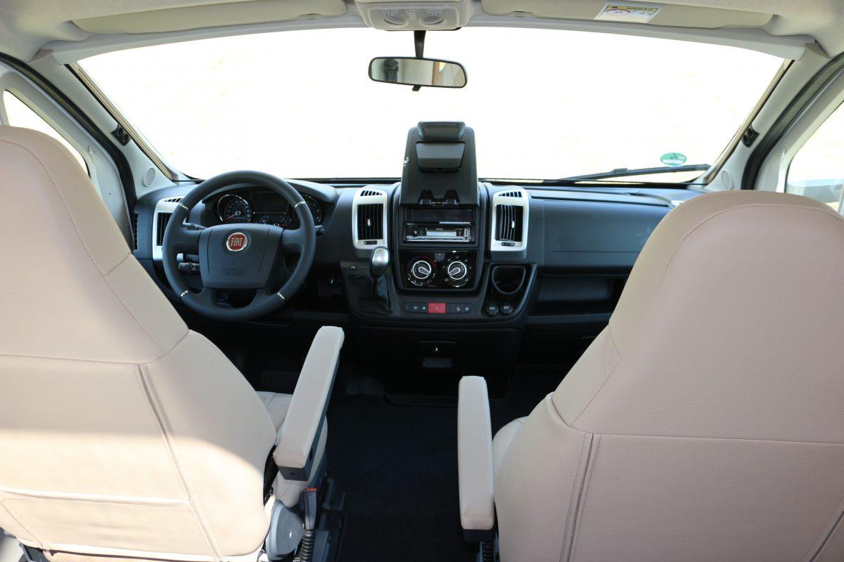 Wohnmobil Fahrerraum